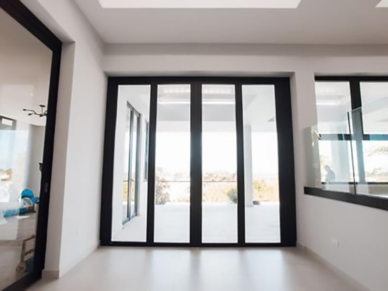 Ultra-Swing-Door